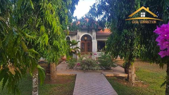 Casa En Venta Lujosa Estilo Neo Colonial En David
