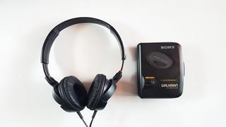 Personal Stereo Cassette Sony Walkman + Audifonos Sony 3lq9