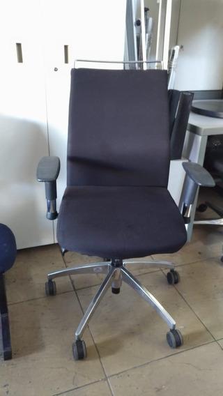 Cadeira Presidente Executiva Pés Cromados