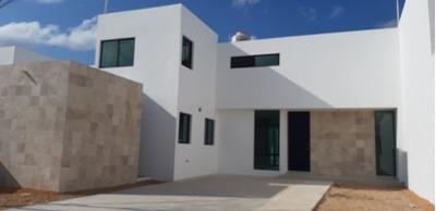 Estrena Residencia En San Antonio Dzitya. 575 Mts De Terreno Y Alberca Gratis.
