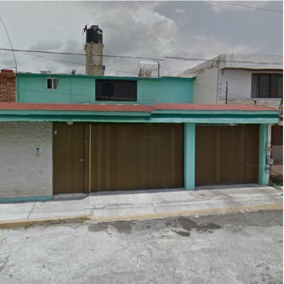 Casa Con Tres Recamaras En Metepec