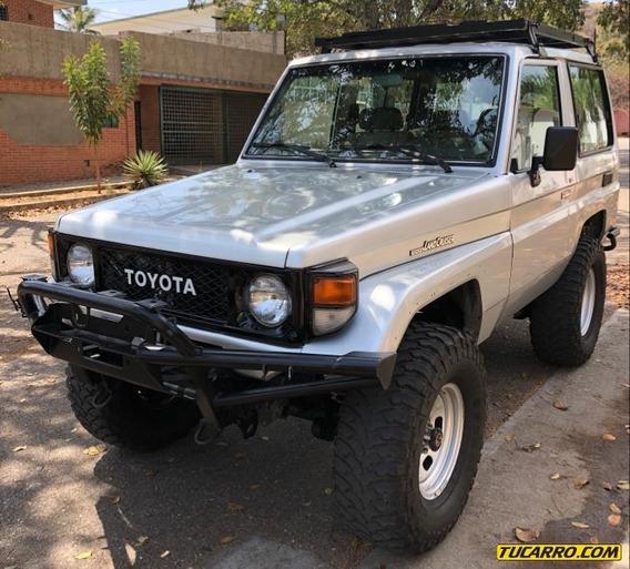 Toyota Macho Rustico 4x4