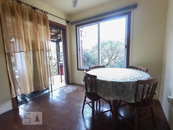 Apartamento No 1º Andar Mobiliado Com 1 Dormitório E 1 Garagem - Id: 892951120 - 251120