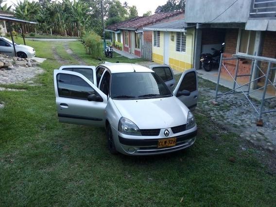 Renault Clio Sedán