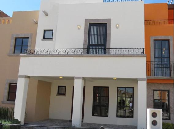 Casa En Venta En Zirandaro, San Miguel Allende, Rah-mx-20-383