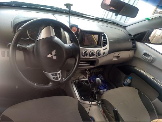 Mitsubishi L200 3.2 Triton Savana Cab. Dupla 4x4 4p Equipada