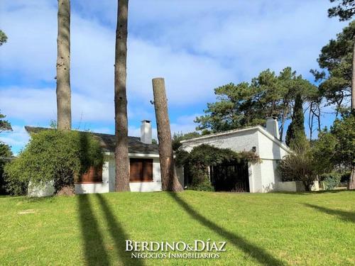 Linda Casa Reciclada En Excelente Estado Punta Del Este Oportunidad- Ref: 299