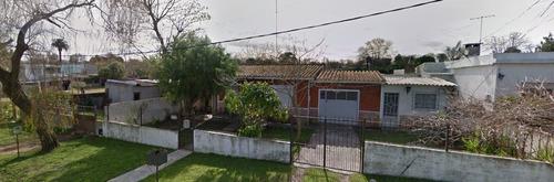 Chalet De 2 Dorm + 2 Aptos Independiente En Gran Terreno