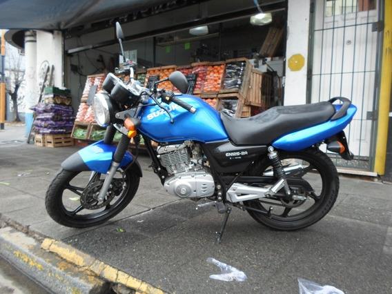 Suzuki En125 Motos March