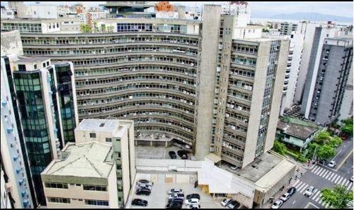Imagem 1 de 18 de Sala Comercial No Centro De Florianópolis - Sa0502