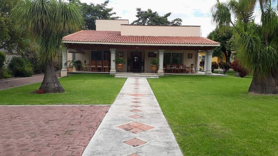 Casa En Venta De Un Nivel Fracc. Real Del Puente Xochitepec