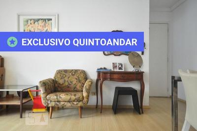 Apartamento No 4º Andar Com 2 Dormitórios E 2 Garagens - Id: 892804854 - 104854