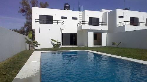 Hermosa Casa Con Jardin Y Alberca