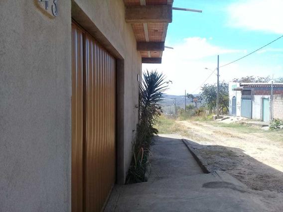 Casa Com 3 Quartos Para Comprar No Centro Em Caetanópolis/mg - Gar9720