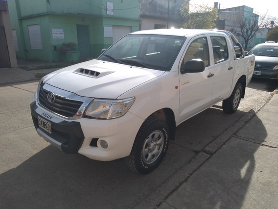 [merc] Toyota - Hilux 4x4 Cd Dx Pack Mt 2.5 Tdi 2013