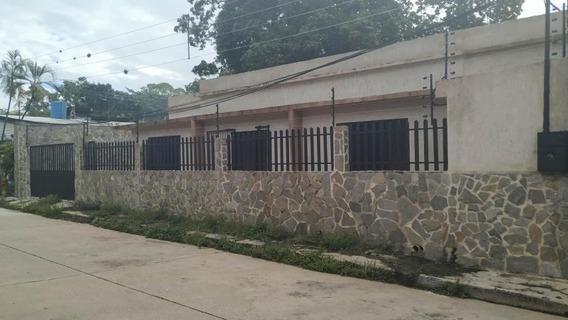 Casa Comercial En Venta La Alegria Valencia Cod 20-8173 Ycm