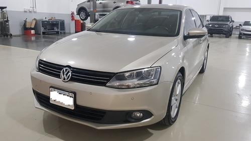 Volkswagen Vento 2.5 Luxury Manual 2013 Mr