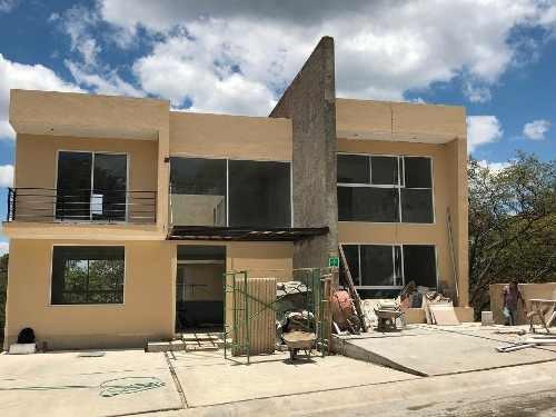 Estrene Linda Residencia En Condado De Sayavedra