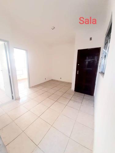 Casa Com 2 Quartos Para Aluguel, 50m², 950 Reais -  Cascadura - Aeloc2006