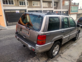 Jeep Grand Cherokee 5.9 Limited Lx 5p