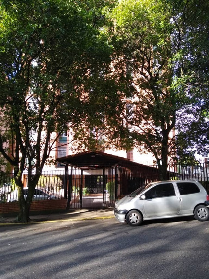 Apartamento En Alquiler. Conj Res La Bermeja, San Cristóbal