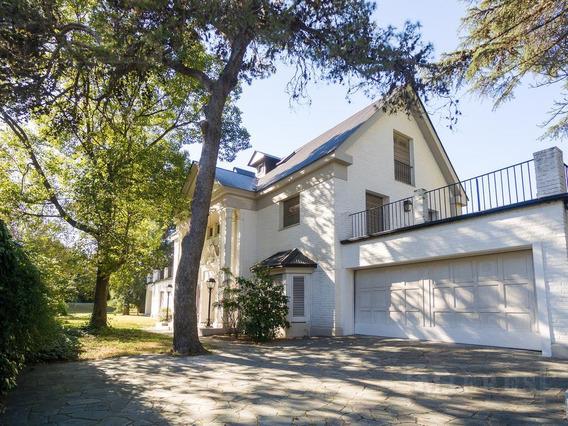 Excelente Casa En Venta Estilo Francés En Santa Rita - Lomas De San Isidro
