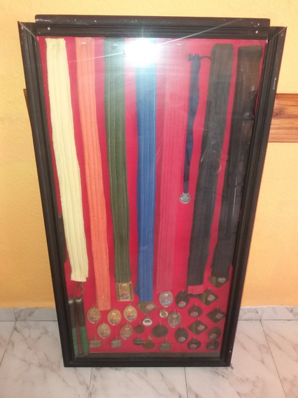 Vitrina Exibidora De Madallas,cinturones,trofeos,etc