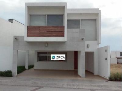 Casa Sola En Renta Fracc. Puerta De Hierro