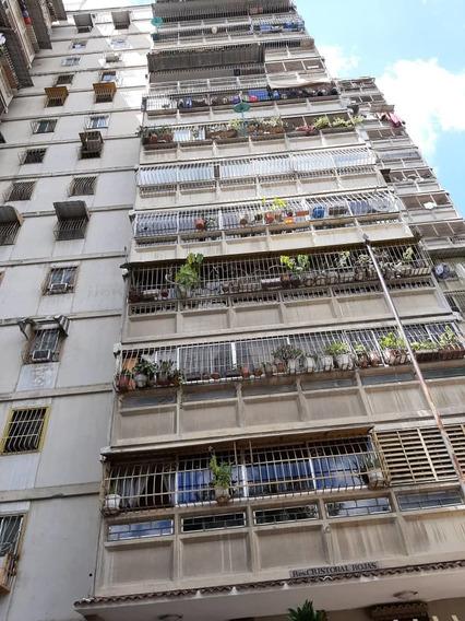 Apartamento En Venta En Coche 71 M2 / 3 Hab / 1.5b / 1pe