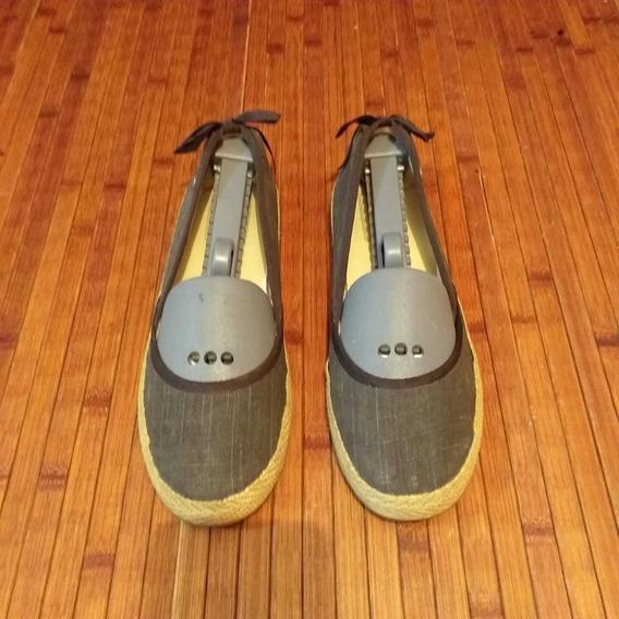 Zapatos Flats, Alta Gama, Marca Ugg, Para Dama Talla 23.5.