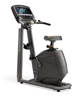 Bicicleta Vertical Matrix U30 Xir Con Consola Hd Residencial