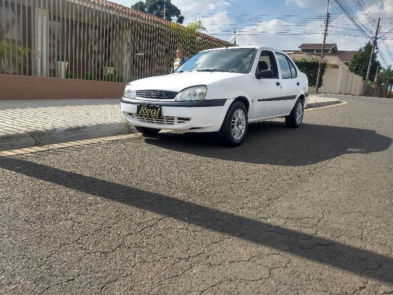 Ford Fiesta Sedan Street