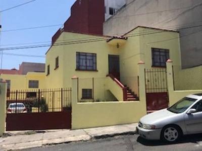 Casa Sola En Col. Cove, Sur 112 A