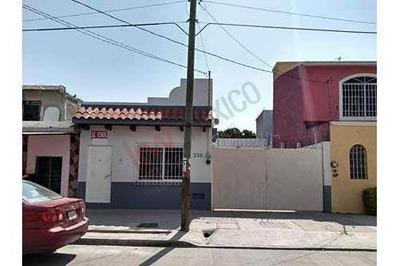 Casa En Venta De Una Planta A Una Cuadra Del Parque Central De San José Terán