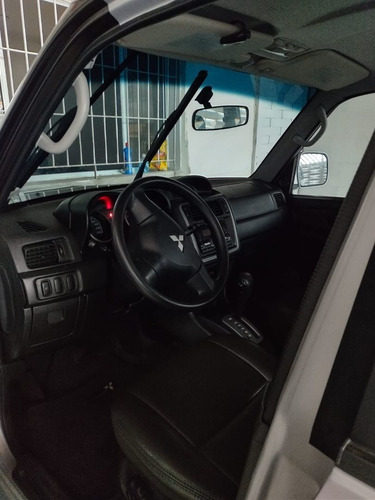 Imagem 1 de 11 de Mitsubishi Pajero Tr4 2014 2.0 4x2 Flex Aut. 5p