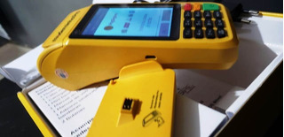 Maquina De Passar Cartão Pagseguro Moderninha Pro