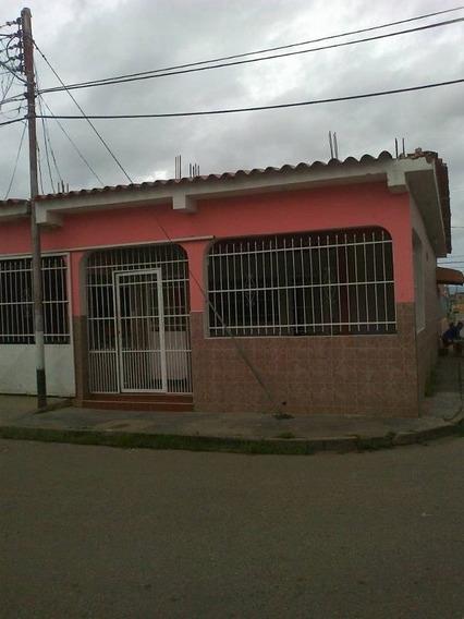 Zoraida Araujo Vende Casa En Lomas De Funval