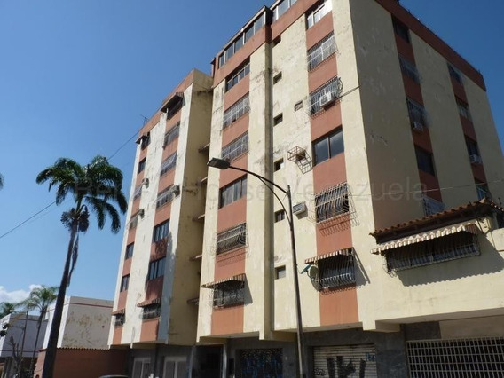 Apartamento En Venta La Victoria Zona Centro 20-8264 Hcc