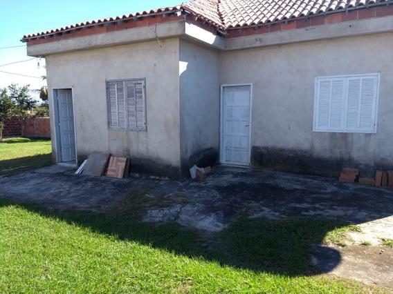 Casa Com 6 Comôdos Em Araruama