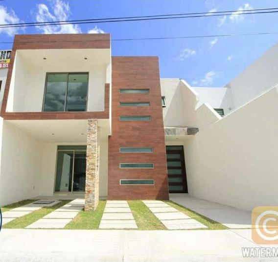Casa De 3 Recamaras,2.5 Baños, 123 M² De Terreno