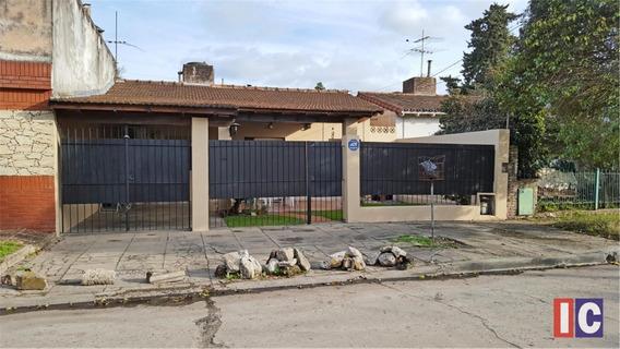 Chalet En Zona Los Portones Apto Credito