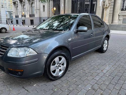 Volkswagen Bora 2.0 Trendline 115cv 1ra. Mano Inmaculado