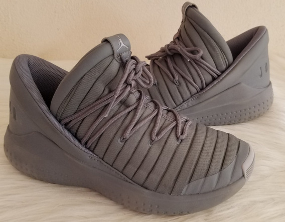 Tenis Nike Jordan Flight Luxe