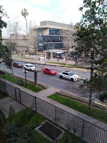 Imagen 1 de 11 de Departamento Remodelado Plaza Pedro De Valdivia Providencia