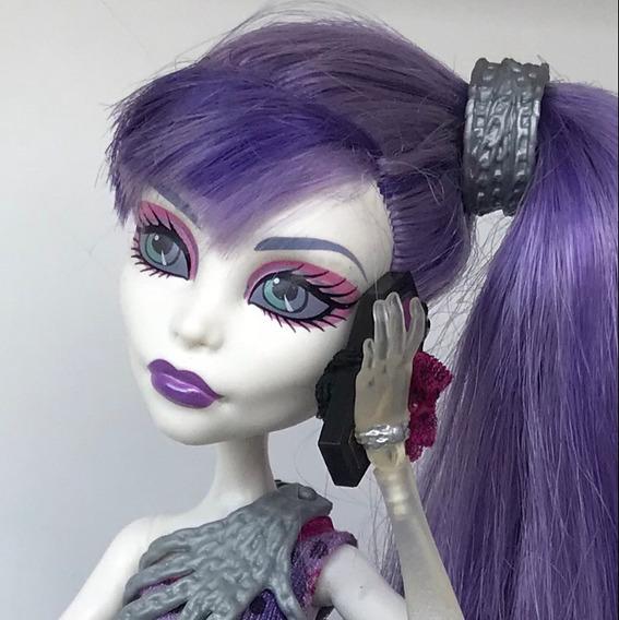Boneca Monster High Drop Dead Gorgeous Spectra Vondergeist