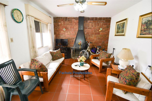 Vende Las Acacias 3 Dormitorios, Garaje, Barbacoa