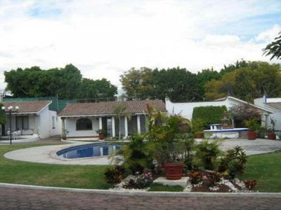 Bonita Casa En Un Solo Nivel, En Bello Horizonte, Cuernavaca