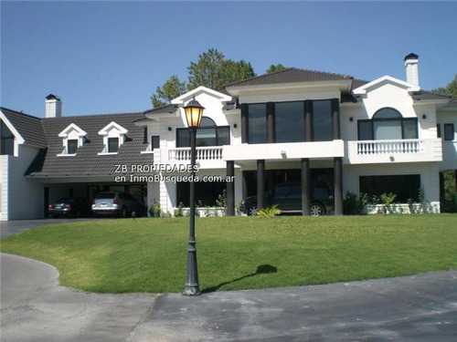467 E/ 142 Y 143: Casa En Country Grand Bell