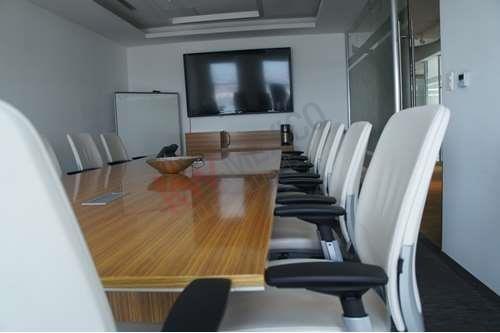Oficina En Renta En Torre Jv Juárez Con Mobiliario Y Equipo, Cerca De Restaurantes Premium.