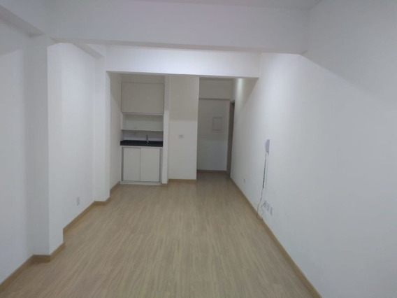 Conjunto Comercial, Rua Major Quedinho, Ao Lado Metrô República- Centro. - Md505